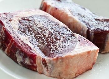 Az Pişmiş Etin Zararları