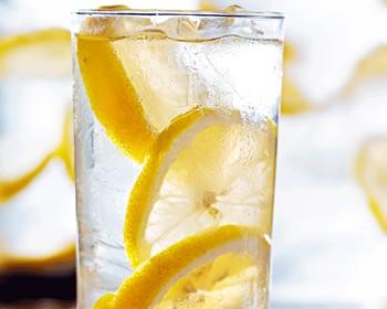 limonlu suyun zararları varmı