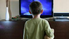 Bebeklerde tv izlemenin zararları